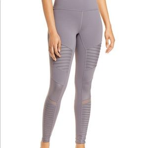ALO YOGA Gray High Waist Moto Style Leggings Mesh Accents Size XS Stretch